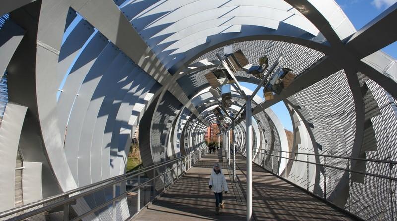 мадрид мост в парке у висенте кальдерон