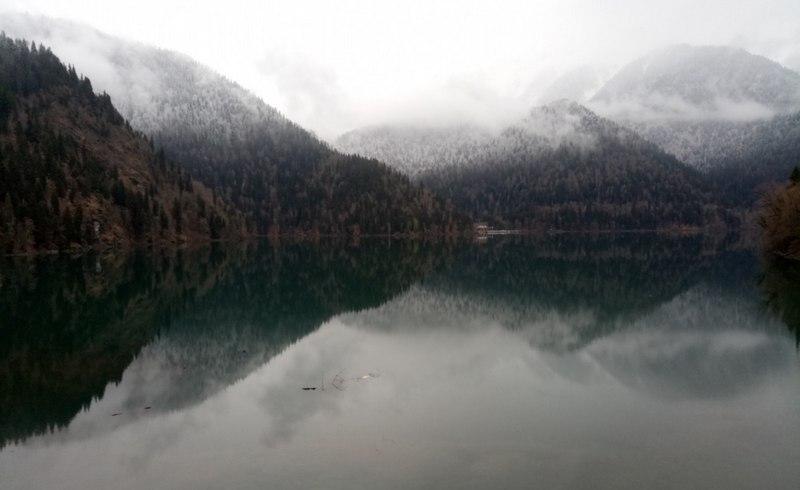 Отдых в Сочи зимой озеро Рица 1